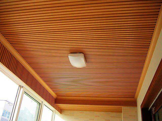 sử dụng ván gỗ tran trí cho căn phòng